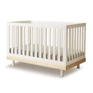 High-quality baby crib, toddler bed and memory-foam mattress