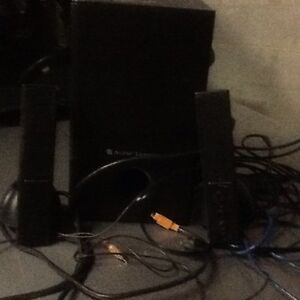 Speakers, Router in box, DVD player, cables  Kitchener / Waterloo Kitchener Area image 4