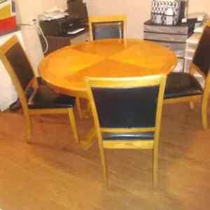 Dining table set  Kitchener / Waterloo Kitchener Area image 4