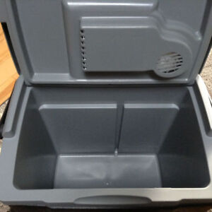 Coleman Plug in Cooler for your Vehicle London Ontario image 3