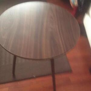 End round Table for Decoration - Excellent Condition