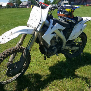 Selling my 2006 CRF450R !!! 3100 OBO. Reduced!!
