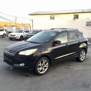 2014 Ford Escape Titanium w bluetooth/heated seats/back up cam