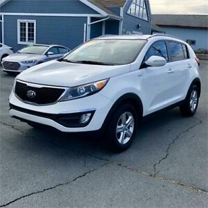 2015 Kia Sportage LX w/back up camera/bluetooth/heated seats