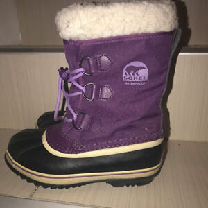 Sorel Boots Waterproof -Kids Size 3 Purple Excellent Condition