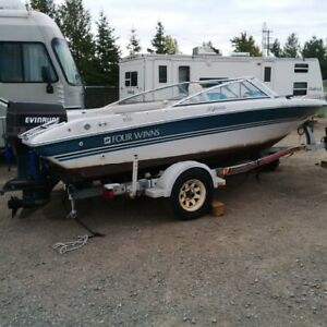 Merry Xmas, 1993 18ft Bowrider Only $3100