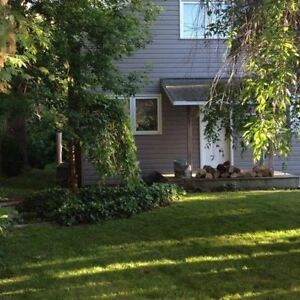 Grand Bend - Cottage/Home Available until May 1, 2017