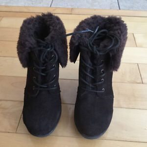 Like new leather/wool boots size 5