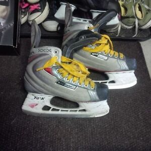 18x Hockey and Goalie Skates, sizes Yth10 - Adult 8 Kitchener / Waterloo Kitchener Area image 4