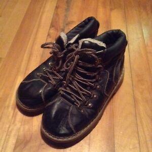 Divers chaussure et vêtement 5$ chaque