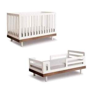 Gorgeous Baby Crib, Mattress, and Toddler Bed Conversion Kit