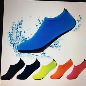 ( 2 ) paire de soulier de piscine UNISEXE pour bambin gr 8-9