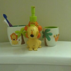 Jungle Bathroom Theme accessories