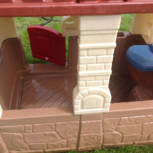 Basically new playhouse....Perfect Condition. Strathcona County Edmonton Area image 8