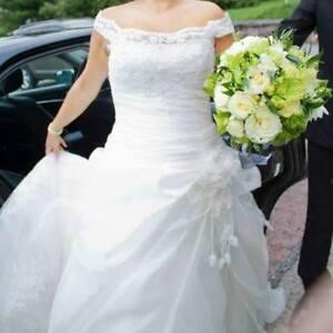 ROBE DE MARIAGE DE BONNE MARQUE TRÈS BELLE