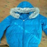 DOWN FILLED WOMENS JACKET -NEW CONDITION-