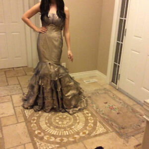 Gorgeous Gold BRAND NEW Mermaid Dress Evening Gown Size 6 Windsor Region Ontario image 2