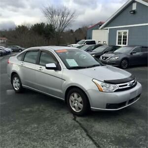 2009 Ford Focus SE with heated seats/air conditioning
