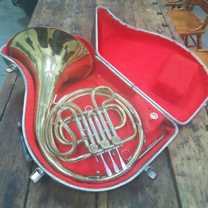 F.E. OLDS & SON AMBASSADOR FRENCH HORN FULLERTON CALIFORNIA