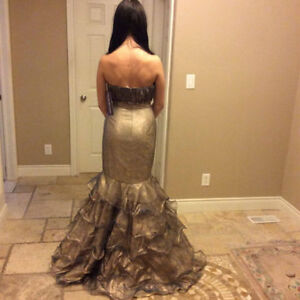 Gorgeous Gold BRAND NEW Mermaid Dress Evening Gown Size 6 Windsor Region Ontario image 3