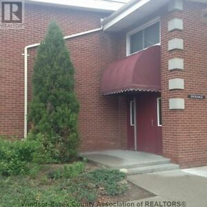 3+1 Bedrooms Towerhouse in South Windsor for Rent