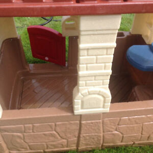 Basically new playhouse Just taken apart and scrubbed. Strathcona County Edmonton Area image 6