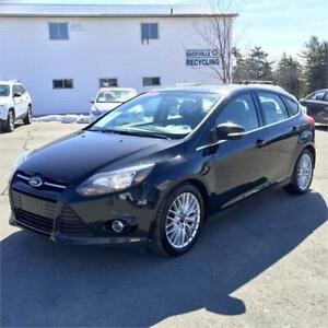 2013 Ford Focus Titanium HB w/sunroof/leather/backup cam