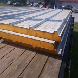 Walk in cooler insulated panels