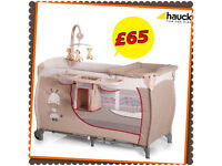 NEW IN BOX HAUCK DELUXE TWO LEVEL TRAVEL COT IN GIRAFFE WITH MATTRESS , CHANGING TABLE & MOBILE