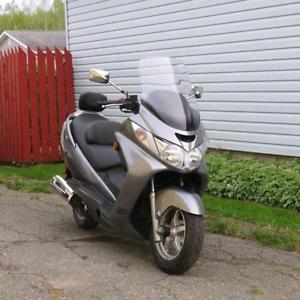 Moto scooter Susuky burgman 2006 a vendre a Edmundston