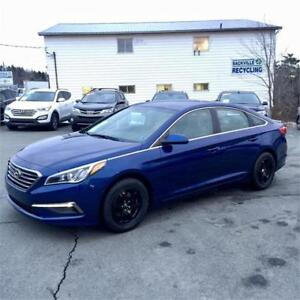2015 Hyundai Sonata 2.4L GL w. Heated seats/backup cam/bluetooth