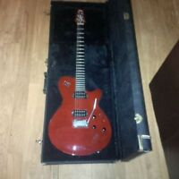 Godin LGXT guitar with Roland GR-30 Guitar synth