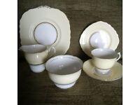 Vintage 21-piece crockery set - Colclough china