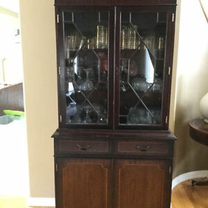 Lovely Mahogany Antique Display cabinet With Key Great Conditio