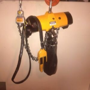 One ton air hoist