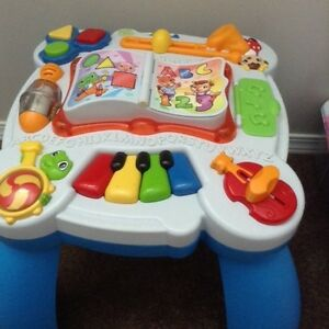 LeapFrog Learn and Groove Musical Table Bilingual