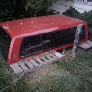 Topper for sale off 2000 Serra Chevrolet,1970 Chevy Truck Hood London Ontario image 4