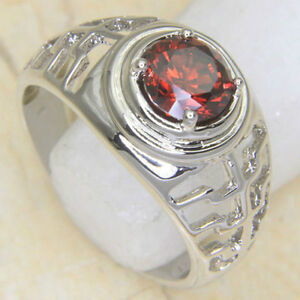 Unisex 18K White Gold Garnet Gemstone Ring, Size 7.25 - New!