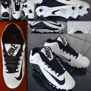 Nike Alpha Pro Low TD 2 Football Cleats Gloves