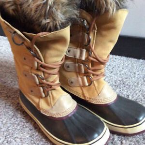 LIKE NEW SOREL TALL BOOTS - SIZE 11