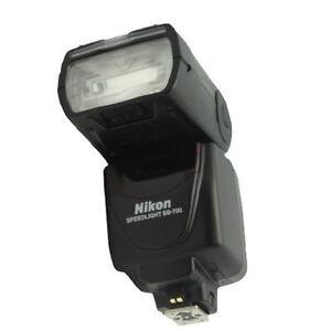 Flash Nikon SB-700 (Presque neuf) Québec City Québec image 1