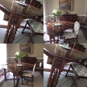 Antiques chestnut dining table with 6 chairs