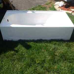 Tub with glass door. $100 obo. Cambridge Kitchener Area image 1