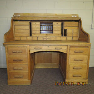 Antique Roll Top Desk L