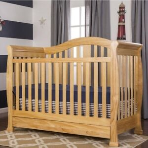 Dream On Me Addison Crib, Natural