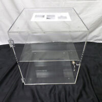 High quality fine acrylic Display Cases with lock new in box