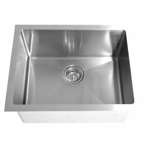 Stainless Kitchen Sinks 9 Models/ Éviers Stainless Neuf