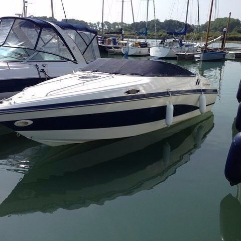 1997 Celebrity 220 Cuddy Cabin Sports Cruiser Speedboat   Similar To  Bayliner Capri