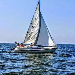 Trailerable sailer 26 foot MacGregor  ..