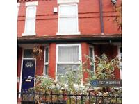 3 bedroom house in Claremont Road, Manchester, M14 (3 bed)
